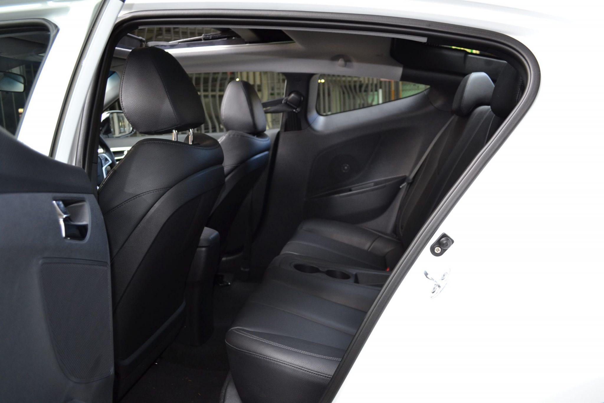 hyundai veloster review 2012 manual rear seats forcegt com rh forcegt com 2014 hyundai veloster manual 2012 hyundai veloster manual review