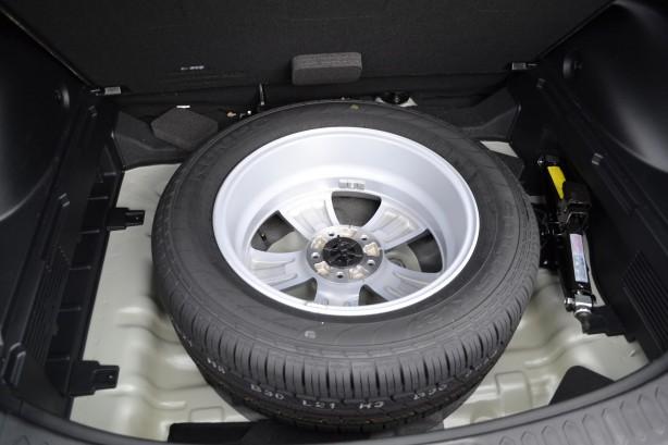 Kia Sportage Review - 2012 SLi Diesel Automatic, Spare ...