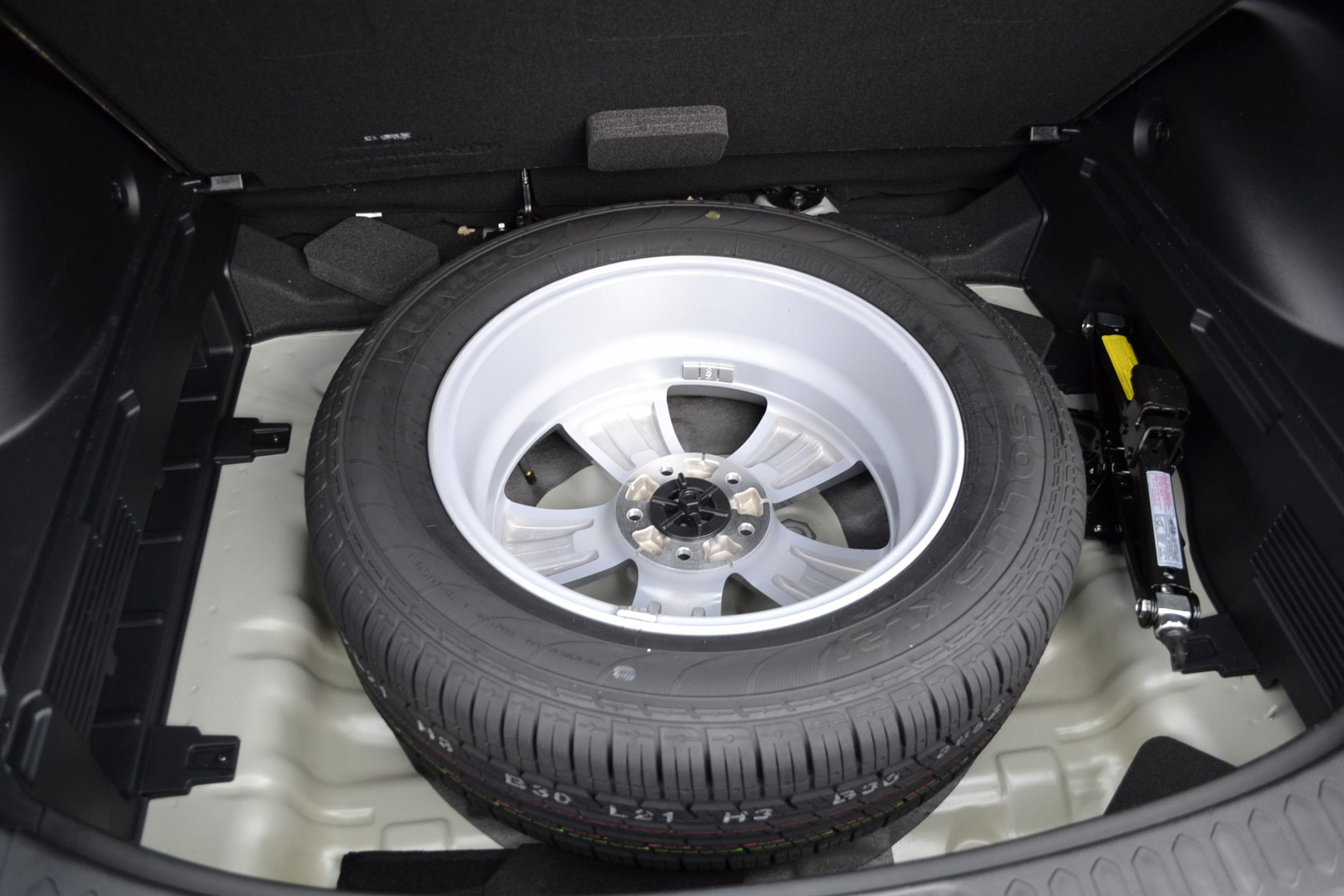 Kia Sportage Review 2012 Sli Diesel Automatic Spare Tire Forcegt Com
