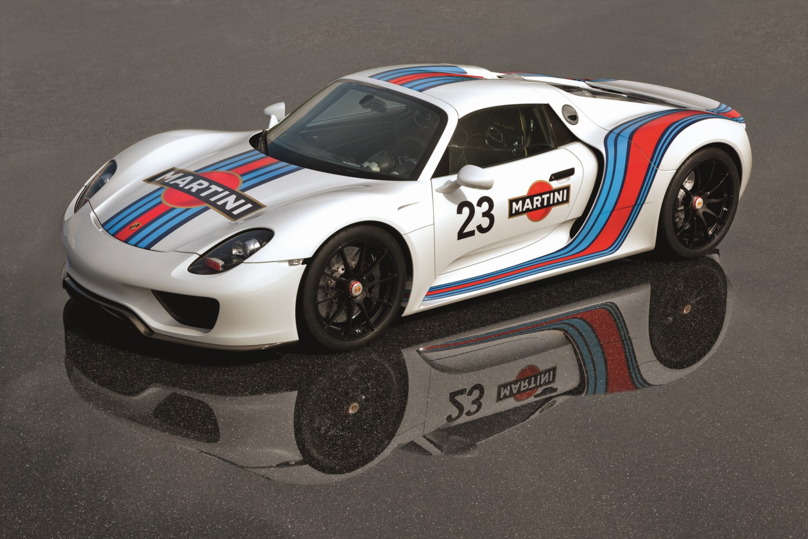 porsche 918 spyder to get martini racing livery. Black Bedroom Furniture Sets. Home Design Ideas