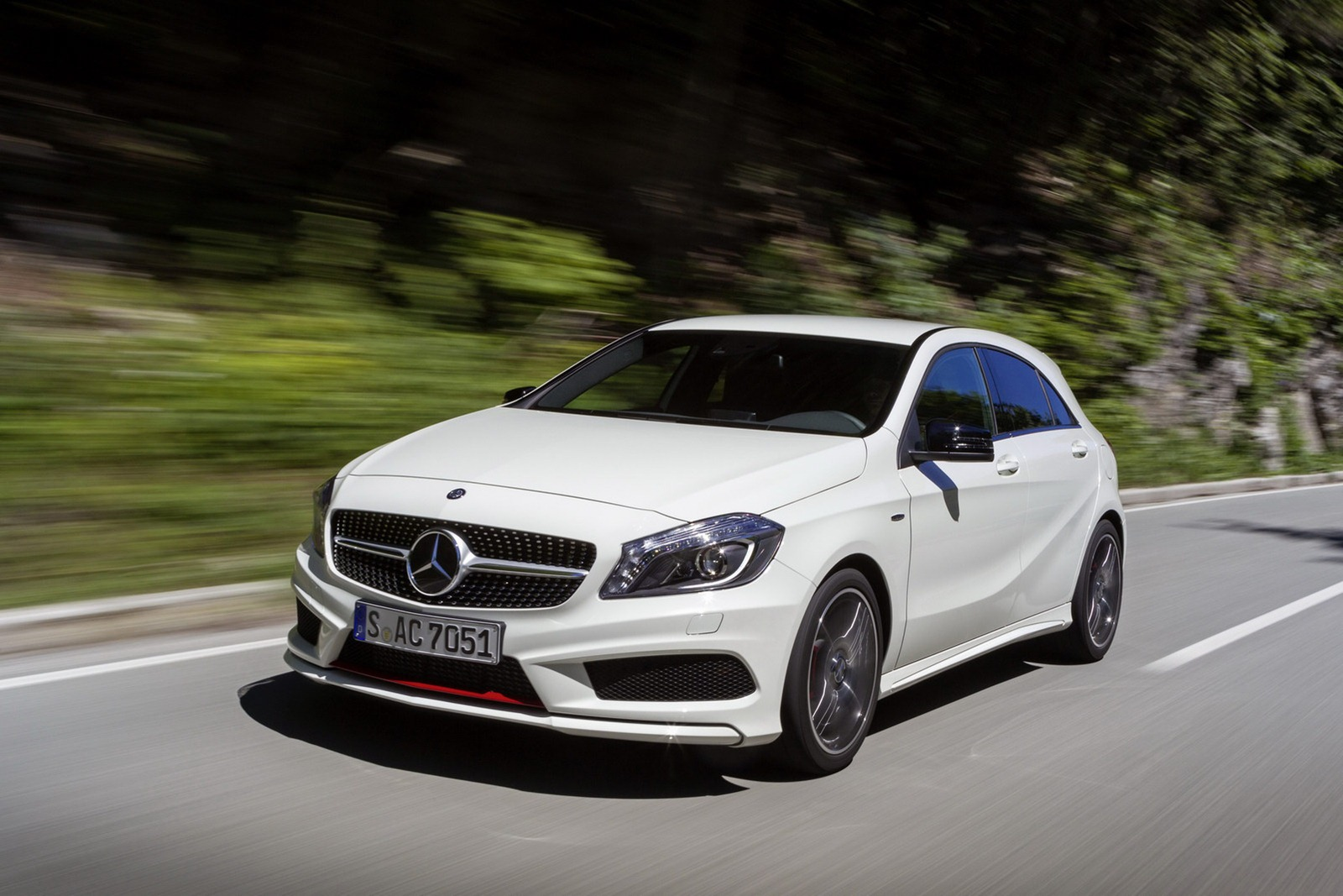 New mercedes benz a class price for Price of a new mercedes benz