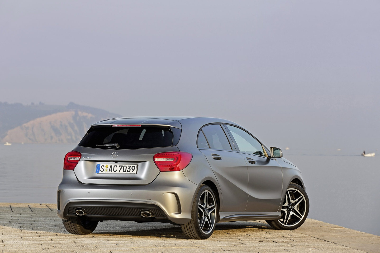 Mercedes benz releases new photos of 2013 a class for A class mercedes benz