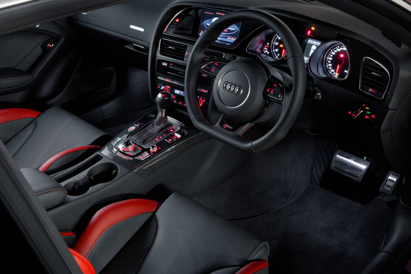 audi-rs5-coupe-interior-1 - ForceGT.com