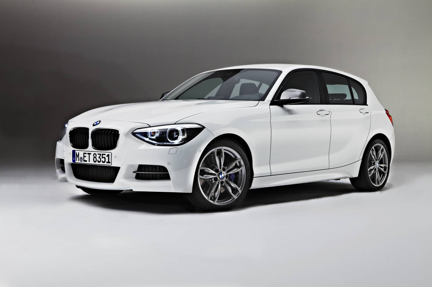 Bmw m135i hot hatch available in australia now for 1 door bmw