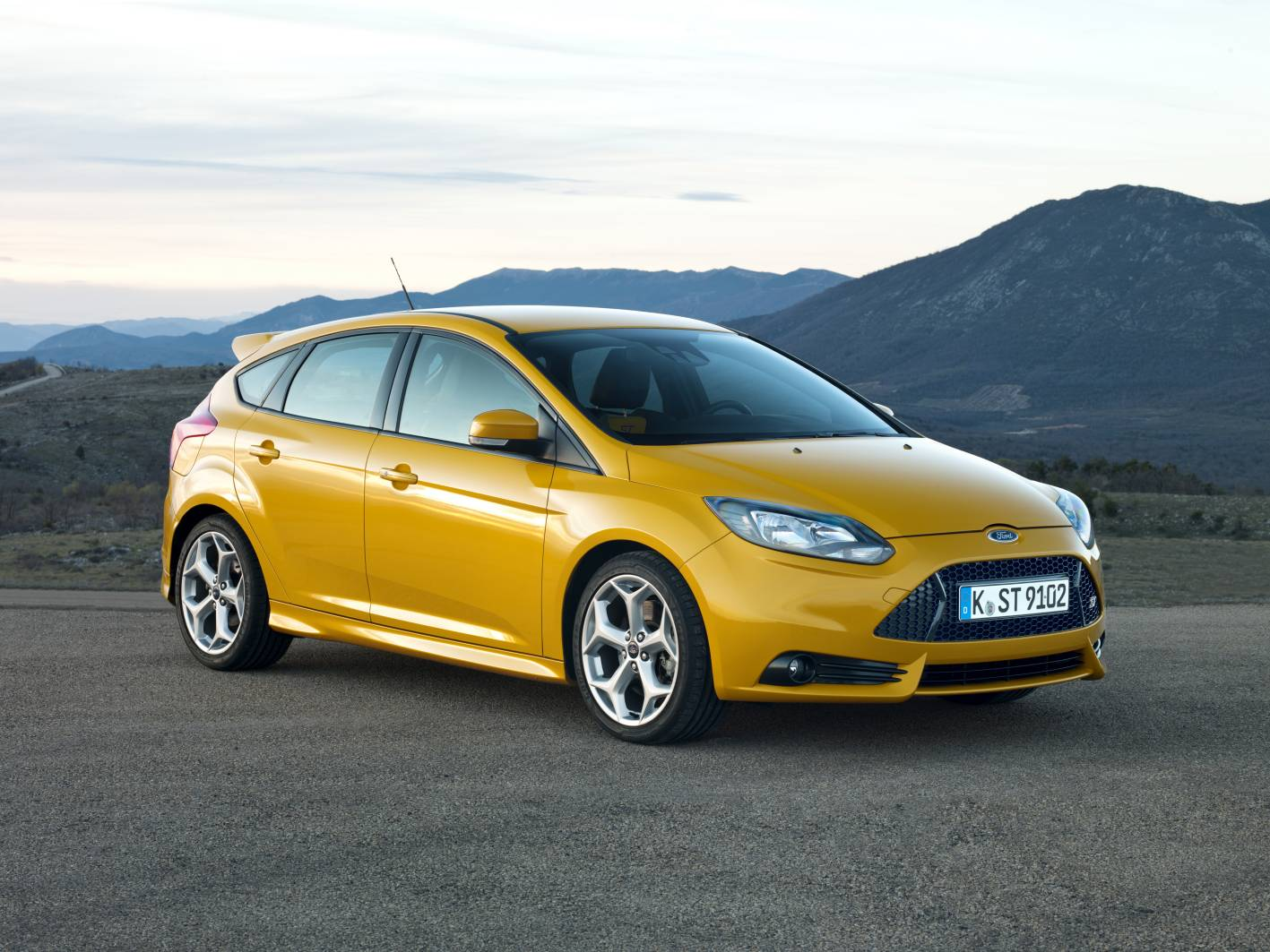 ford cars news focus st pricing and specifications. Black Bedroom Furniture Sets. Home Design Ideas
