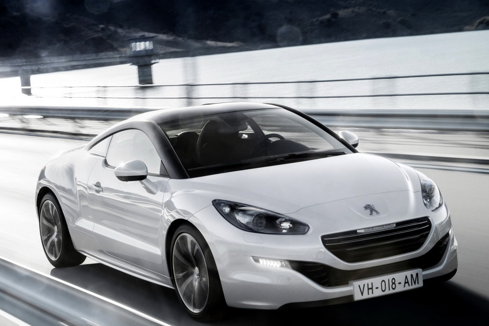 facelifted 2013 peugeot rcz coup headed for paris motor. Black Bedroom Furniture Sets. Home Design Ideas