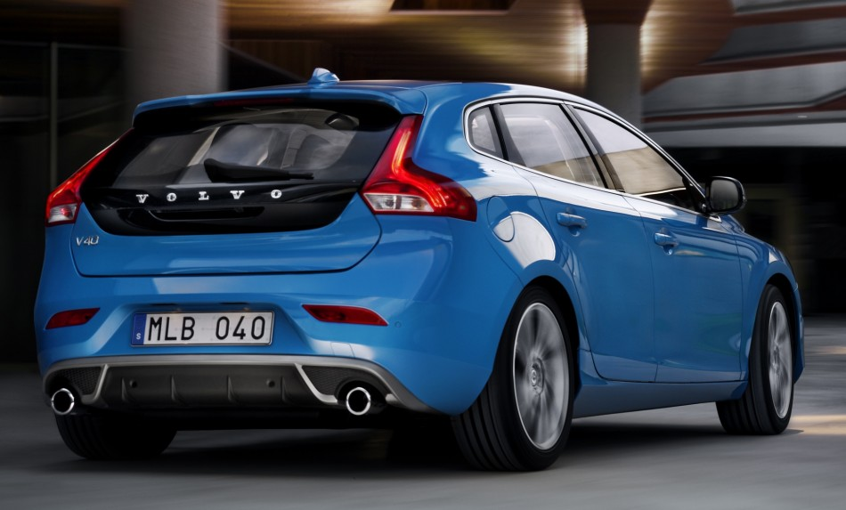 volvo v40 r design to debut at paris motor show. Black Bedroom Furniture Sets. Home Design Ideas