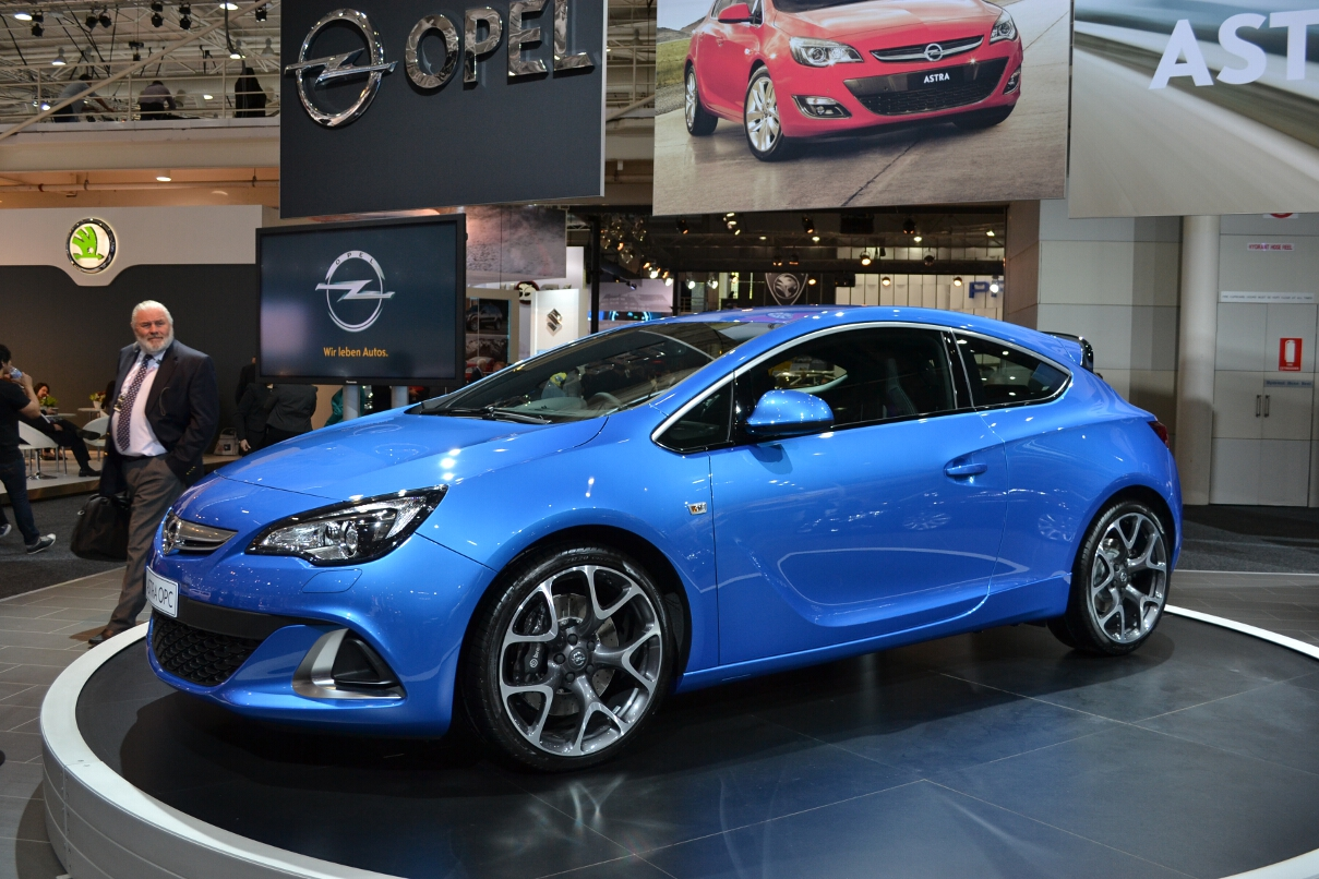 opel cars news astra opc launched from 42 990. Black Bedroom Furniture Sets. Home Design Ideas