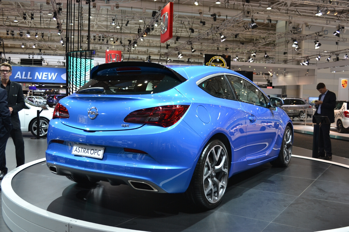 Opel Cars News Astra Opc Launched From 42 990