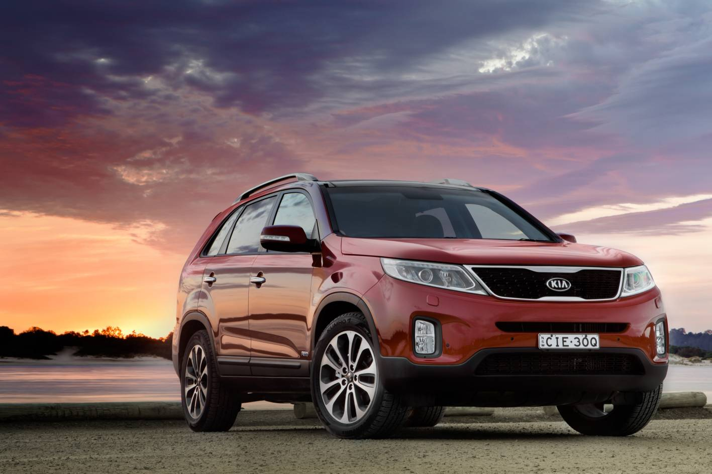 kia cars news 2013 sorento launched from 37 490. Black Bedroom Furniture Sets. Home Design Ideas