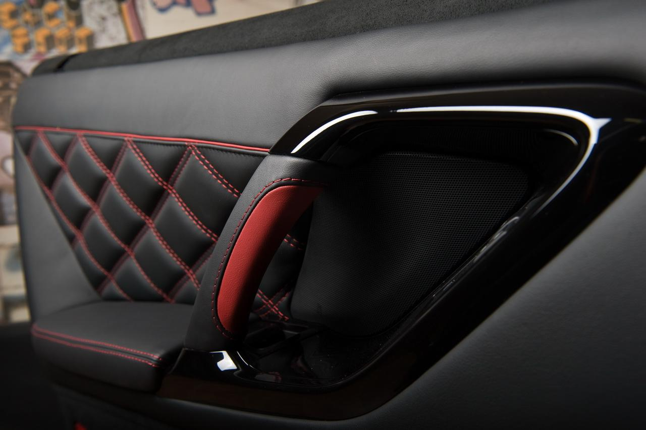 Nissan tuning vilner customises gt r interior for Custom automotive interior designs