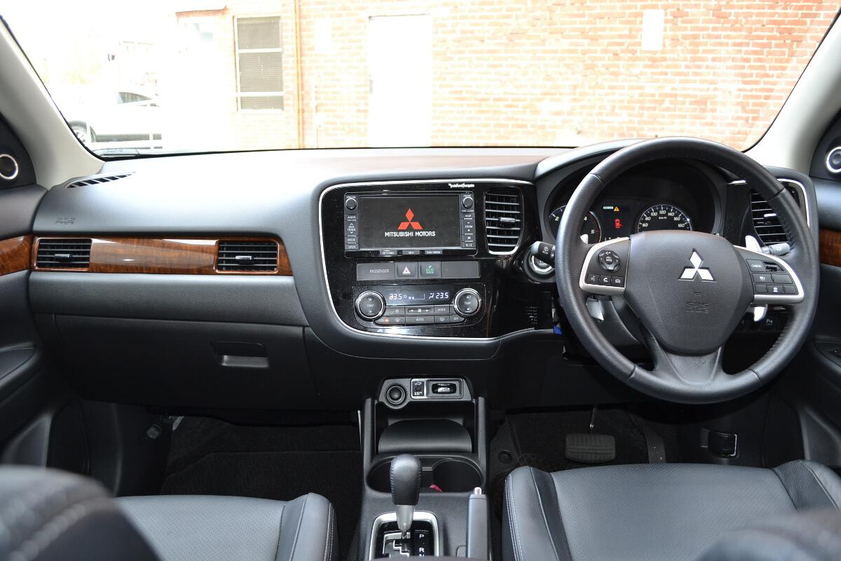 Mitsubishi Evo 2013 Interior - Viewing Gallery