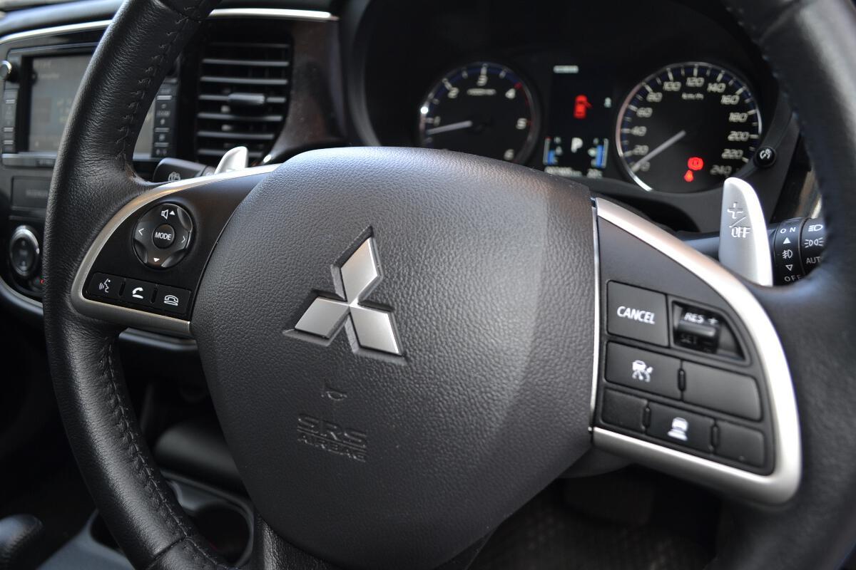 2013 mitsubishi outlander aspire interior 6 for Mitsubishi outlander interior