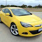 2013-Opel-Astra-GTC-Sport-02