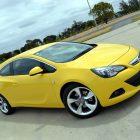 2013-Opel-Astra-GTC-Sport-03