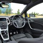 2013-Opel-Astra-GTC-Sport-11