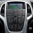 2013-Opel-Astra-GTC-Sport-19