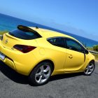 2013-Opel-Astra-GTC-Sport-25