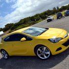 2013-Opel-Astra-GTC-Sport-26
