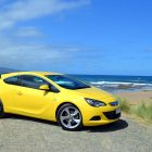 2013-Opel-Astra-GTC-Sport-27