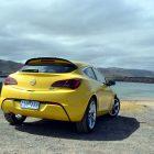 2013-Opel-Astra-GTC-Sport-28