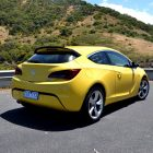 2013-Opel-Astra-GTC-Sport-29
