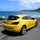 2013-Opel-Astra-GTC-Sport-30