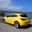 2013-Opel-Astra-GTC-Sport-31