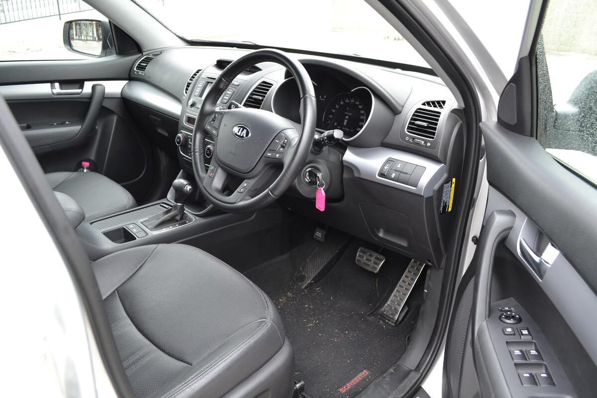 2012 Kia Sorento Interior 2 Forcegt Com