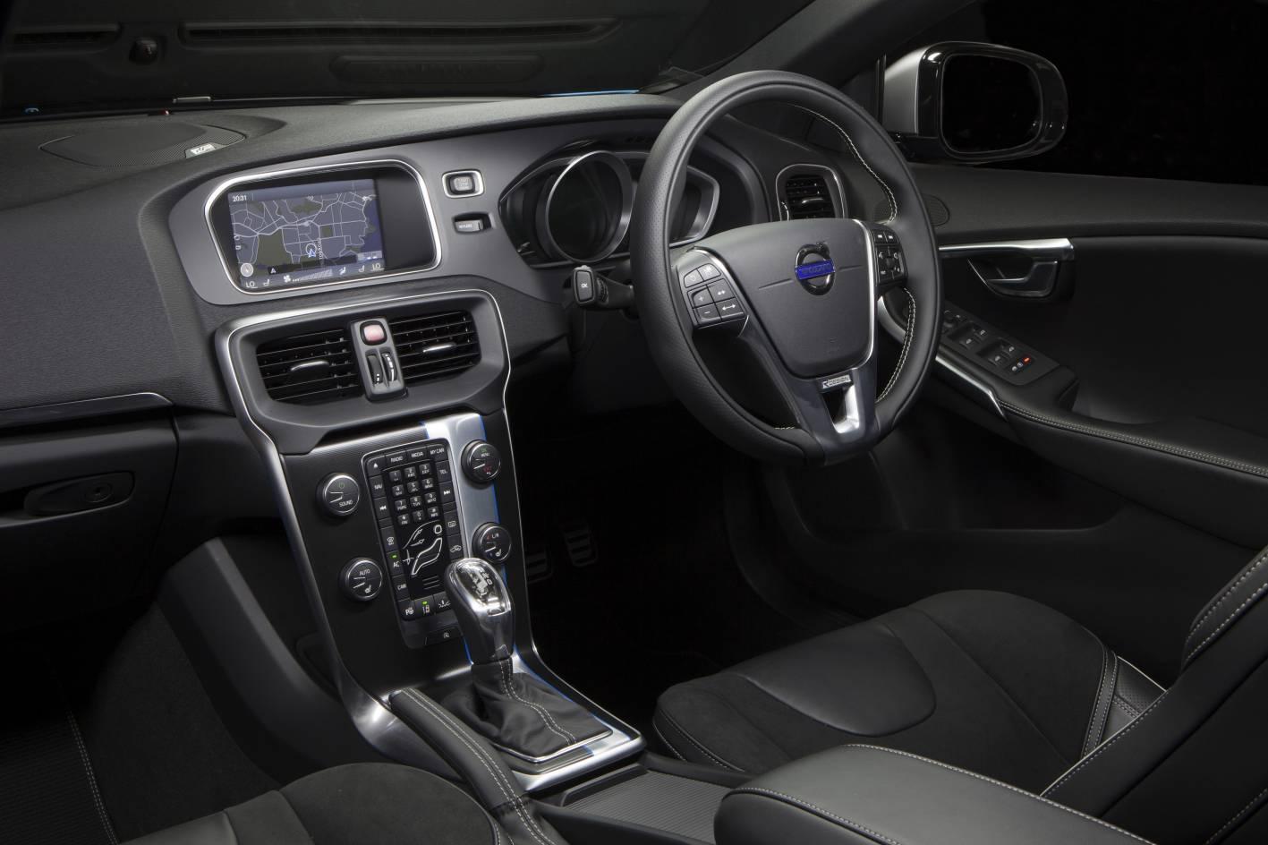 2013 Volvo V40 T5 Interior-1 - ForceGT.com