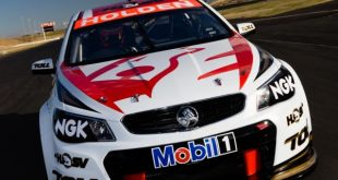Holden-Racing-Team-2013-VF-Commodore-02
