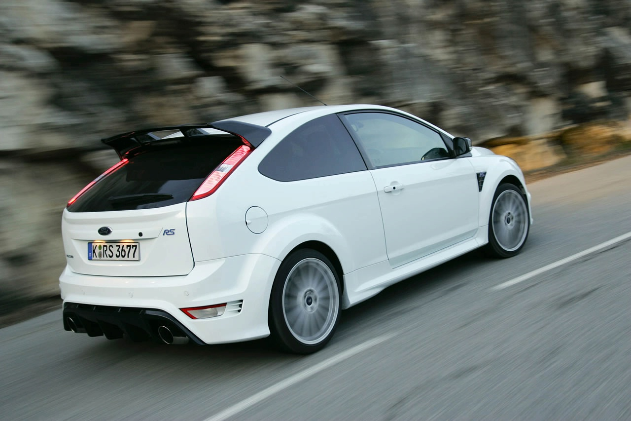 ford cars news 2015 focus rs sports 2 3l mustang engine. Black Bedroom Furniture Sets. Home Design Ideas