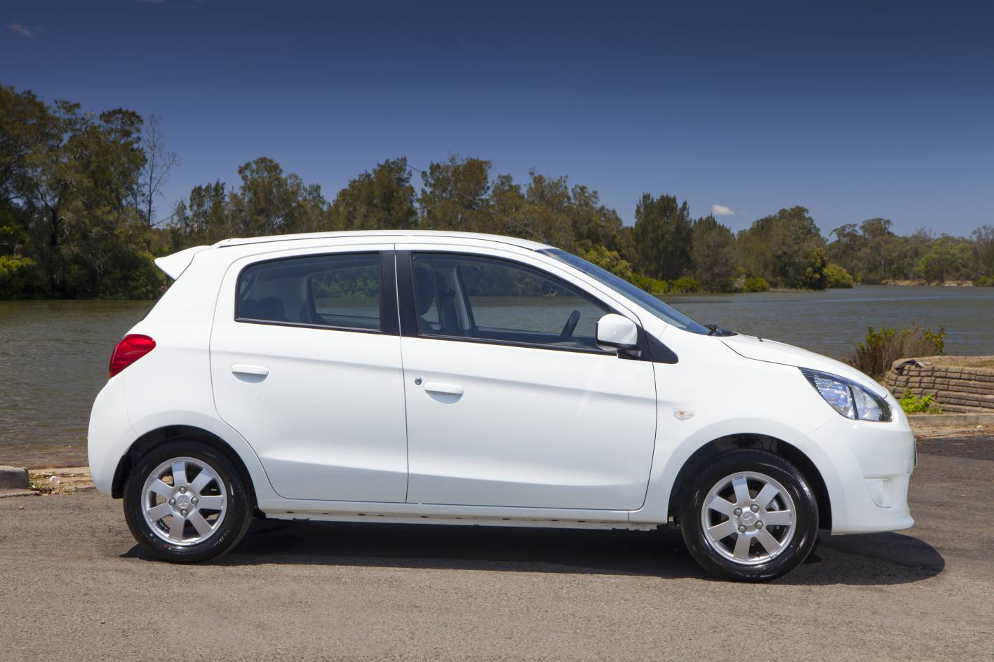 Mitsubishi Mirage Review: 2013 Mirage