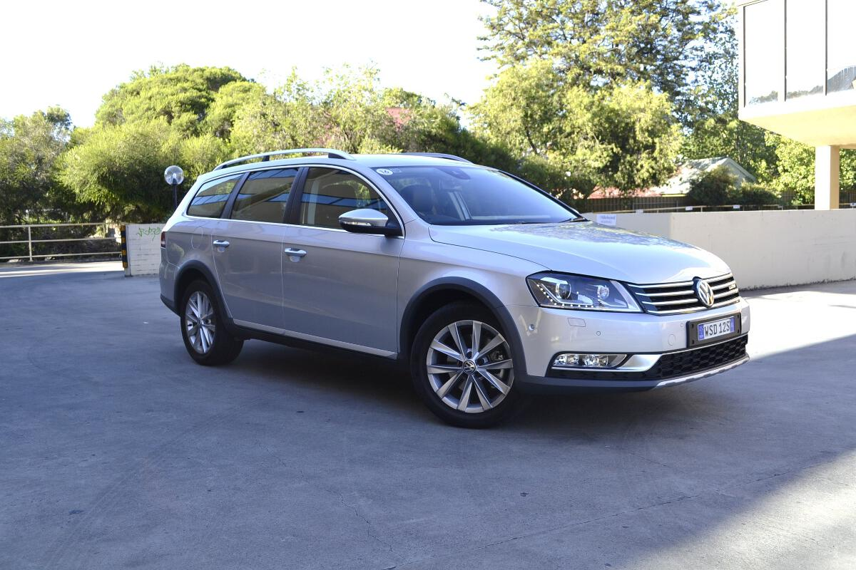 volkswagen passat review 2013 passat alltrack. Black Bedroom Furniture Sets. Home Design Ideas