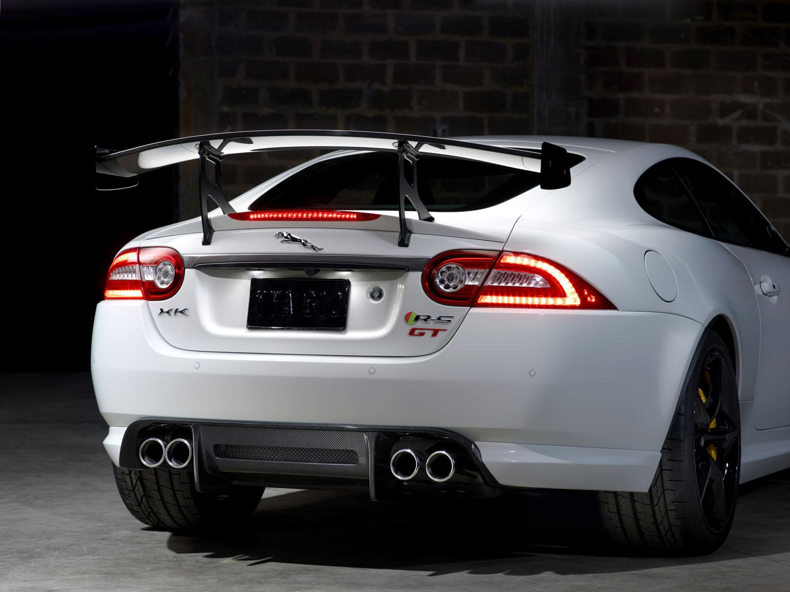 video jaguar reveals track focused xkr s gt. Black Bedroom Furniture Sets. Home Design Ideas