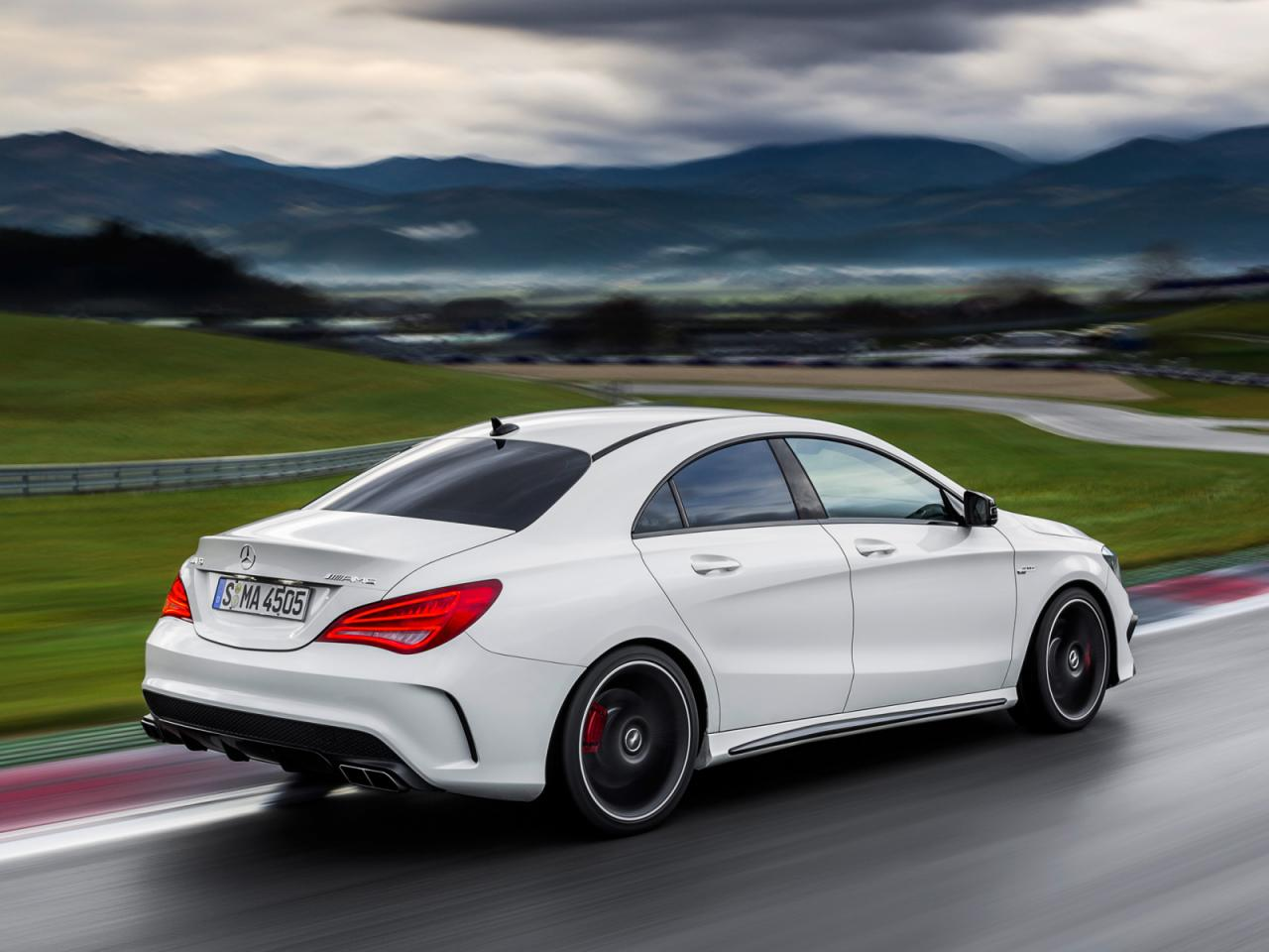 Mercedes benz cla 45 amg revealed ahead of new york debut for Mercedes benze cla