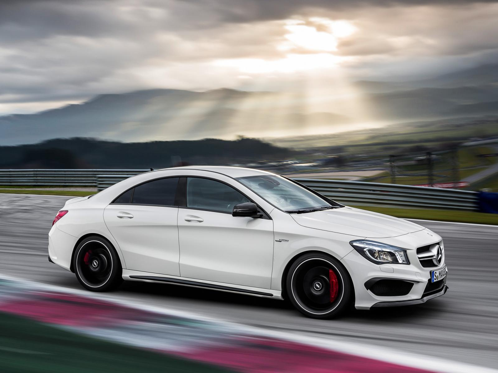 Mercedes benz cla 45 amg revealed ahead of new york debut for Benz mercedes cla