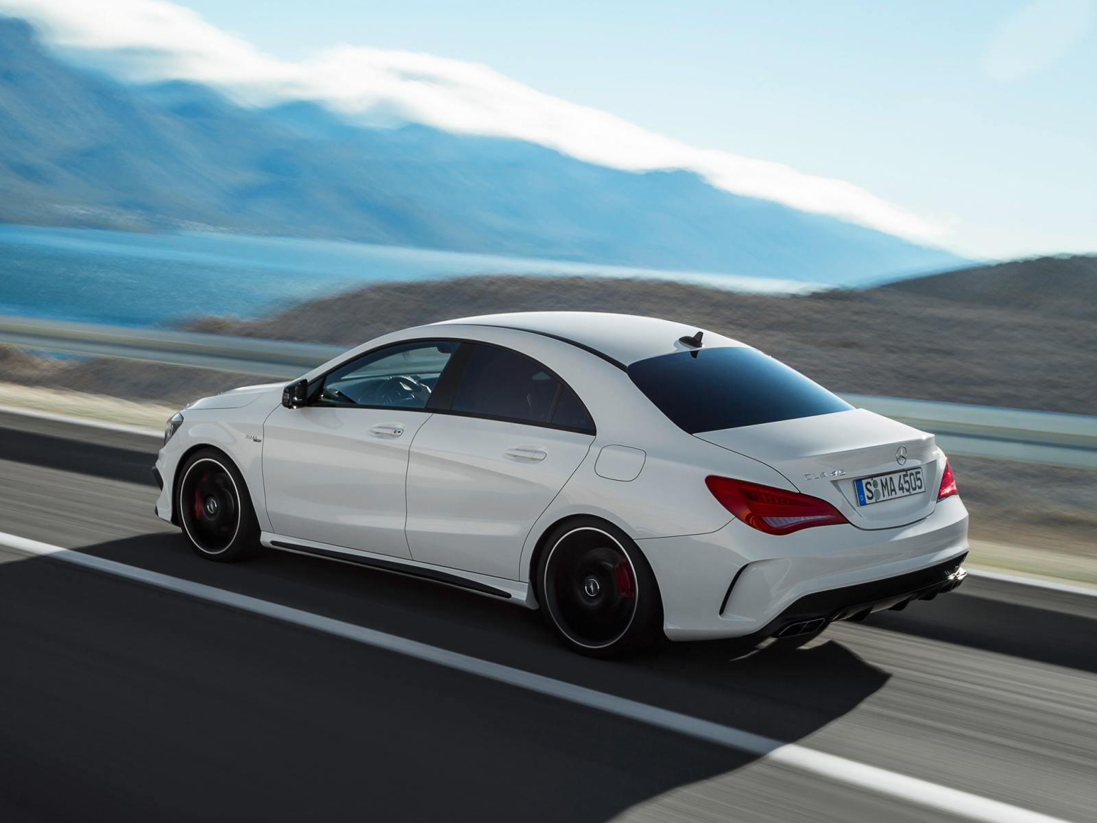 Mercedes benz cla 45 amg 9 for Mercedes benze cla