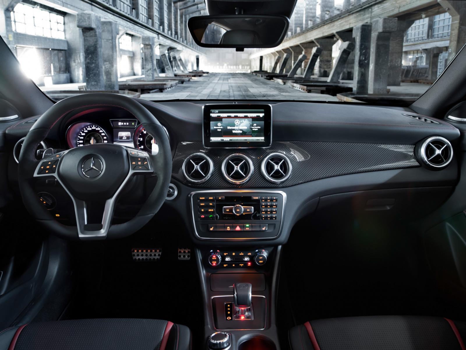 mercedes benz cla 45 amg revealed ahead of new york debut. Black Bedroom Furniture Sets. Home Design Ideas