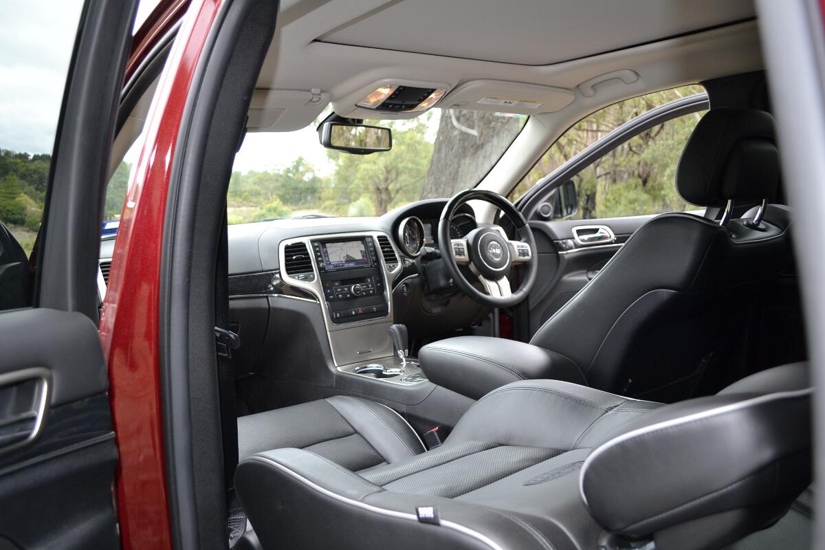 2012 jeep grand cherokee interior 1. Black Bedroom Furniture Sets. Home Design Ideas