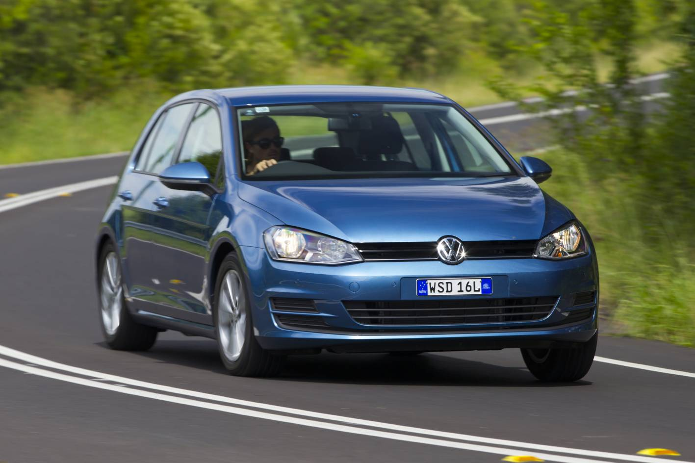 volkswagen cars news 2013 mk7 golf launched in australia. Black Bedroom Furniture Sets. Home Design Ideas