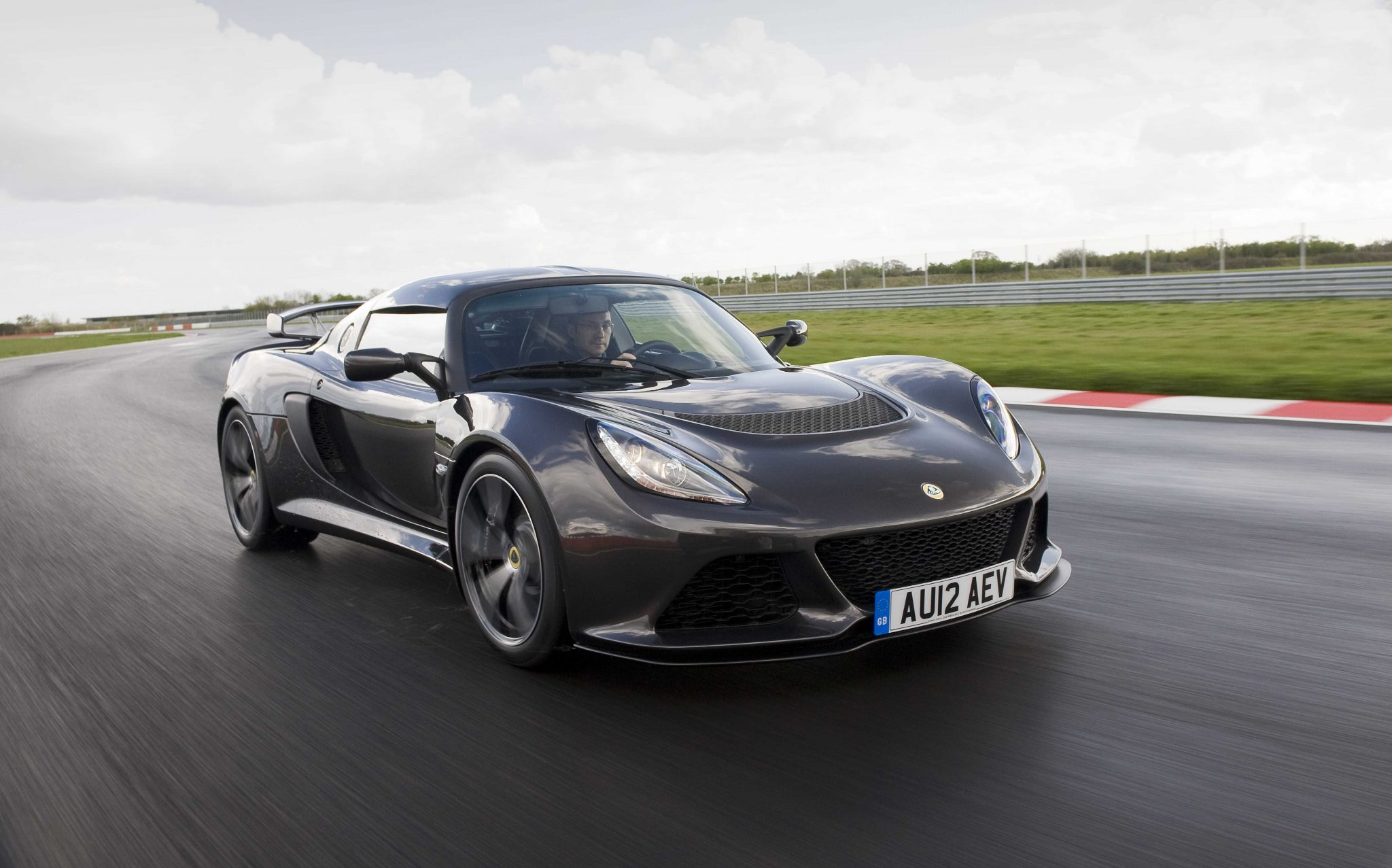 lotus cars news exige s supercar performance for less. Black Bedroom Furniture Sets. Home Design Ideas