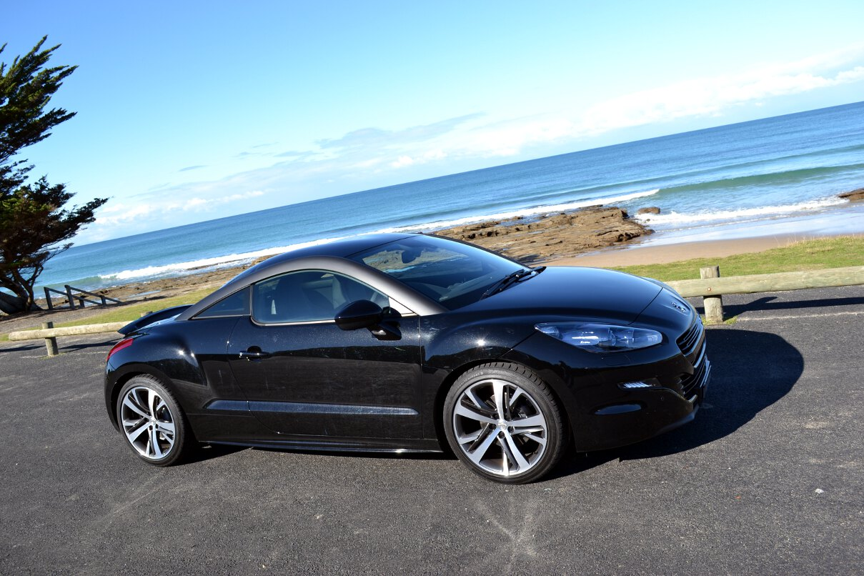 peugeot rcz review 2013 rcz coupe. Black Bedroom Furniture Sets. Home Design Ideas