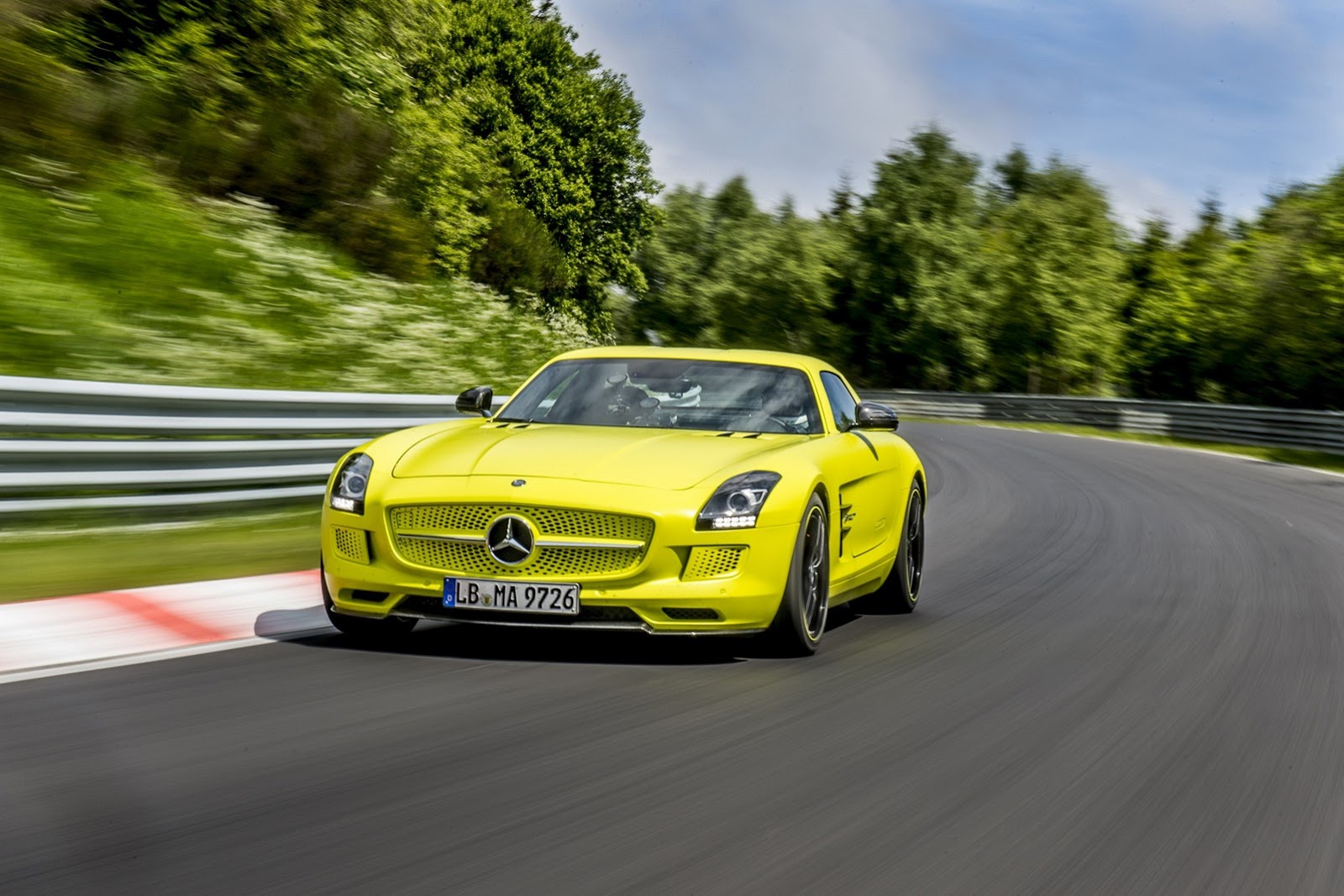 mercedes cars news sls amg electric drive sets 39 ring record
