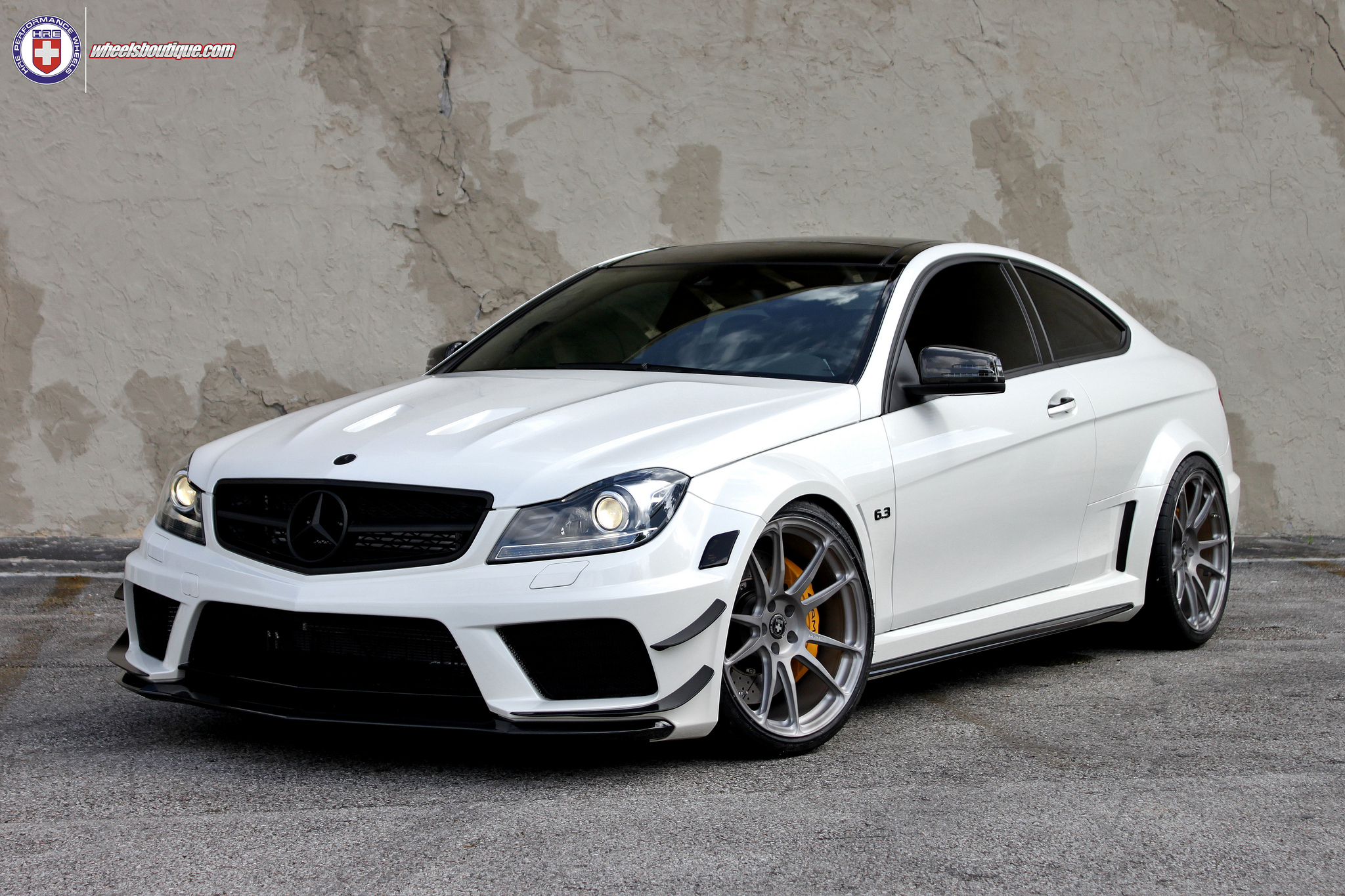 Mercedes tuning wheels boutique hre tweaked c63 amg black for Mercedes benz wheel