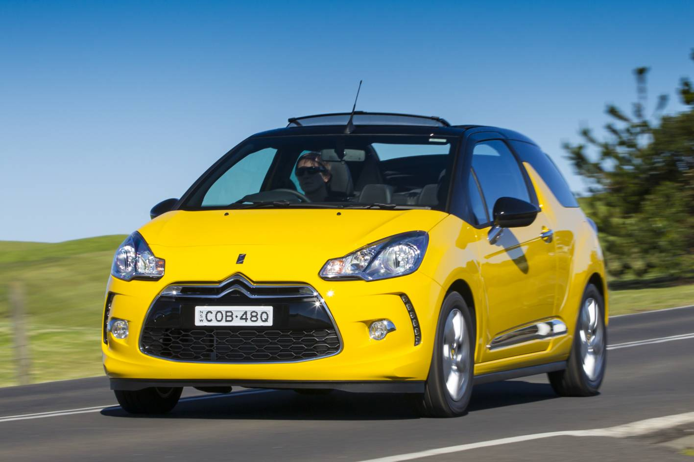 citroen cars news ds3 cabrio pricing and specifications. Black Bedroom Furniture Sets. Home Design Ideas