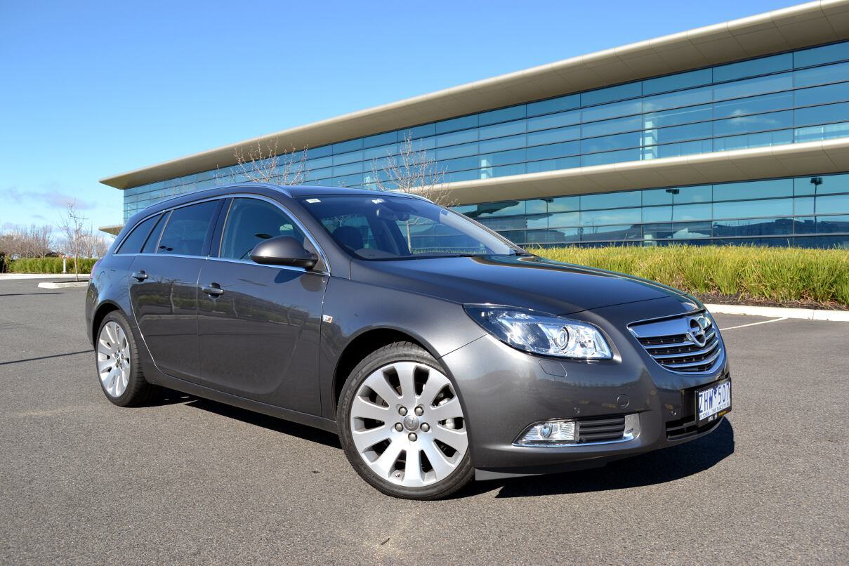 opel insignia review 2013 opel insignia. Black Bedroom Furniture Sets. Home Design Ideas