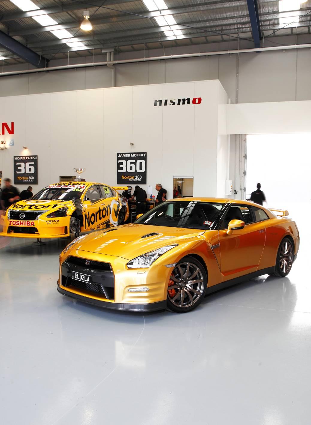 Nissan Gt R Black Supercar 4k Android Wallpaper: News: Gold GT-R 'Usain Bolt Edition