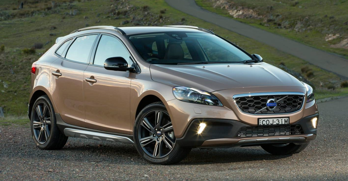 volvo cars news v40 cross country pricing and specs. Black Bedroom Furniture Sets. Home Design Ideas