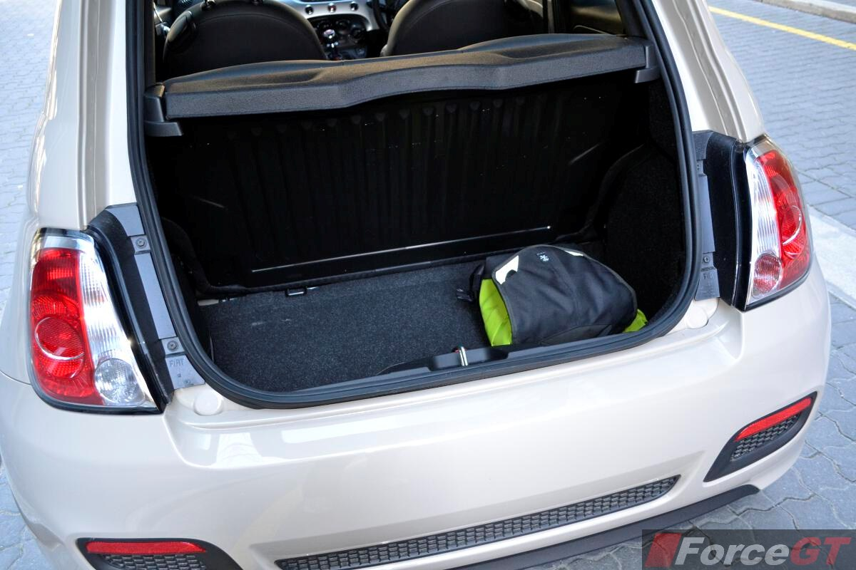 Read together with 500l M likewise 2wtsf Blower Relay 2001 Vw Jetta also Lounge moreover 2016 Fiat 500x Pop Star Review Video 1316. on fiat 500 fuel capacity